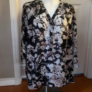 Pretty floral tunic length blouse